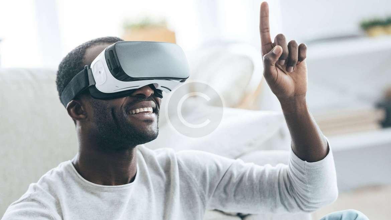 Advantages & Disadvantages of Virtual Reality